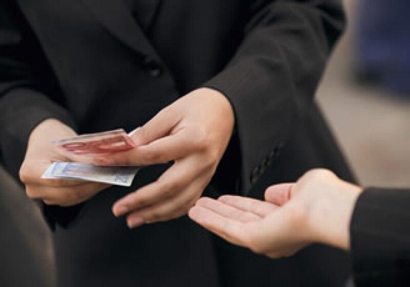 El fisco cobrará en las cuentas hasta saldar el adeudo fiscal. (Foto: Jupiter Images)