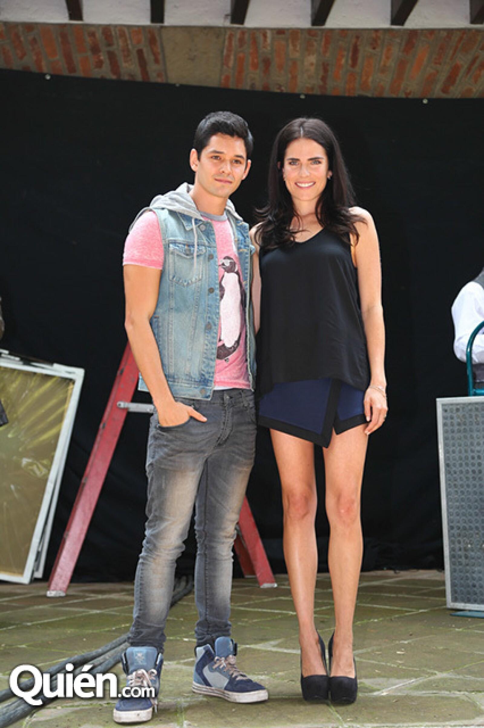 Ricardo Abarca y Karla Souza