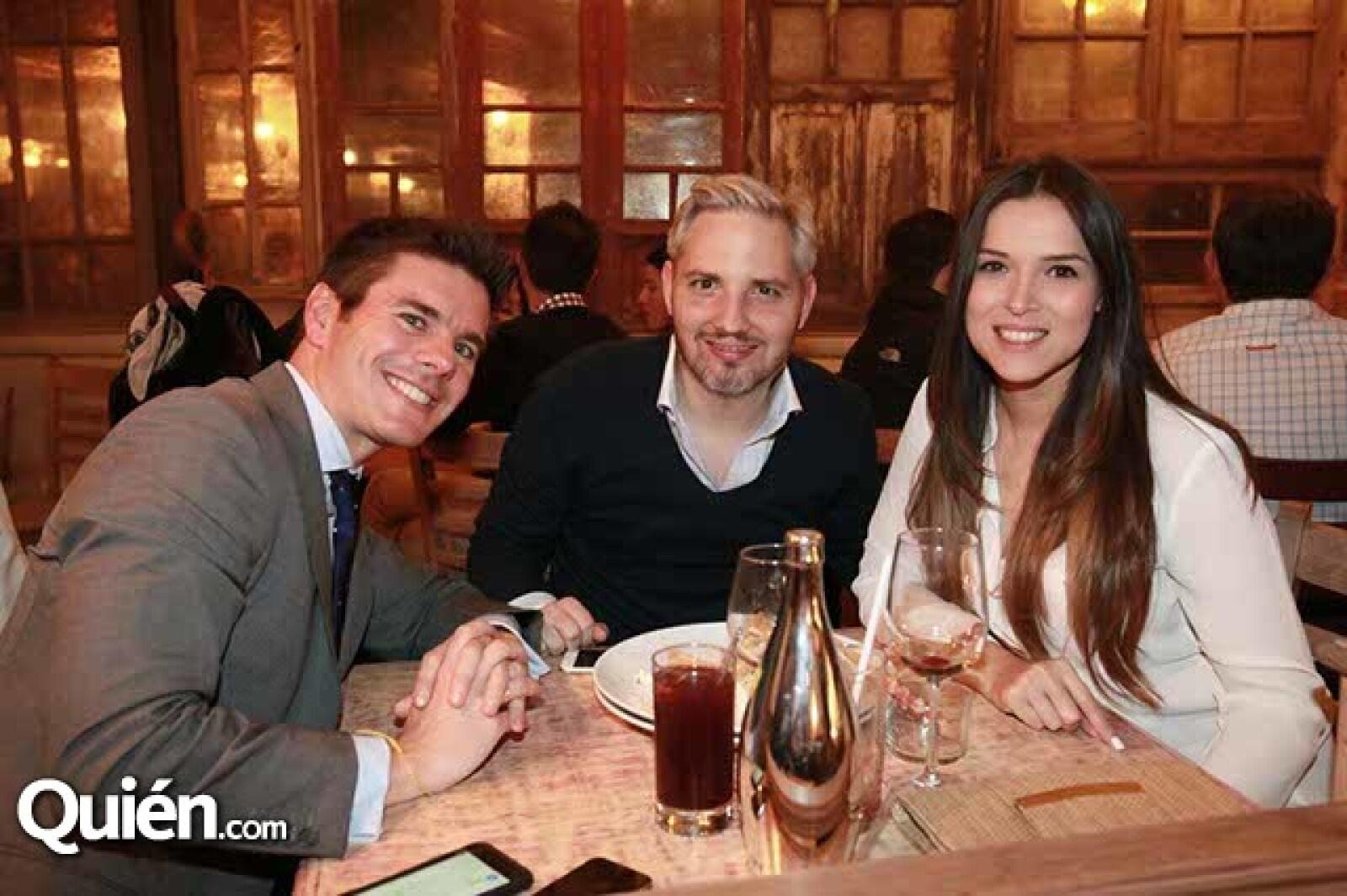 Antonio Iglesias,Nicolás Delon y Mayela Wilson
