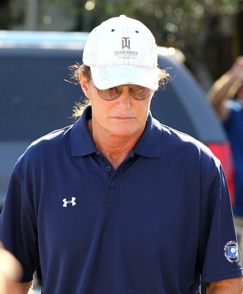 Dos hijastros de la mujer fallecida en el trágico accidente de tráfico en el que se vio envuelto Bruce Jenner el pasado febrero le demandan por homicidio involuntario.