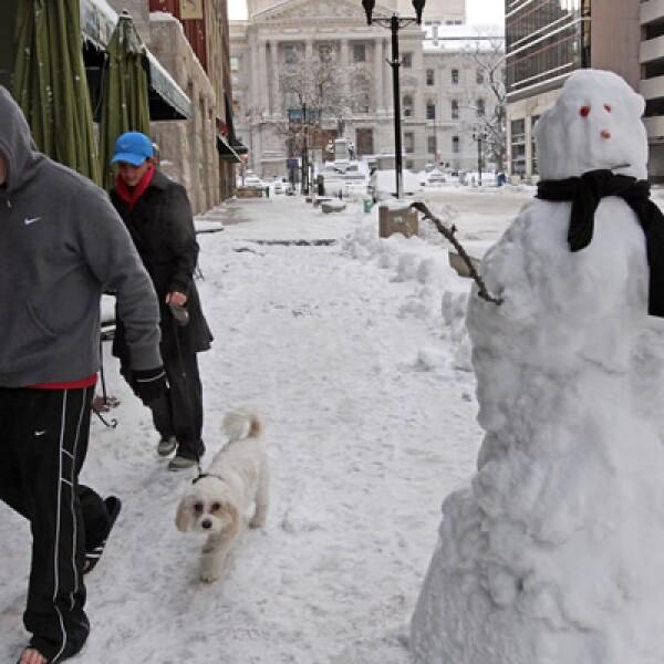 El frío extremo puede provocar congelamiento o hipotermia en las personas y mascotas en 5 o 10 minutos, según el meteorólogo Fred Allen en un reporte para WeatherBug.