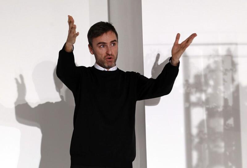 Finalmente después de 12 meses de espera se conoce quién ocupará el lugar de John Galliano como director creativo de la firma.