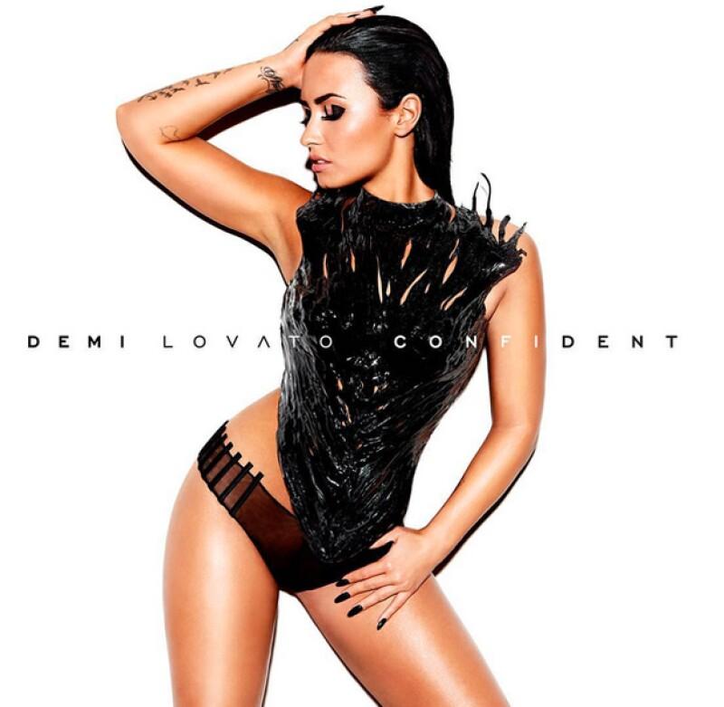 A manera diferente, peor tomando como inspiración al canadiense, la cantante anuncia la lista de temas de su nuevo disco.