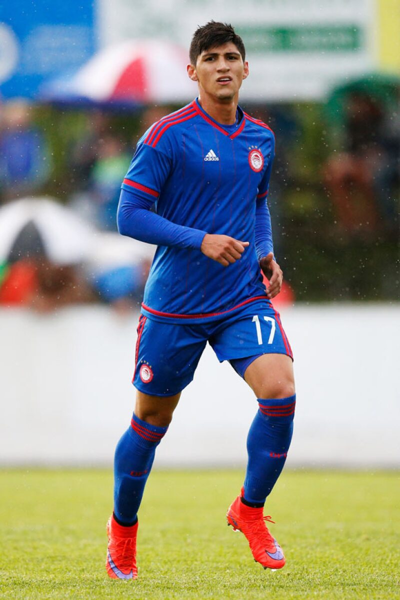 El futbolista mexicano fue secuestrada esta madrugada cuando iba en compañía de su novia, a quien dejaron en libertad.