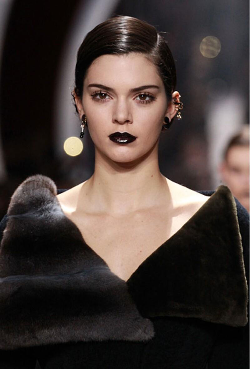 La modelo lució increíble en el desfile de Dior.