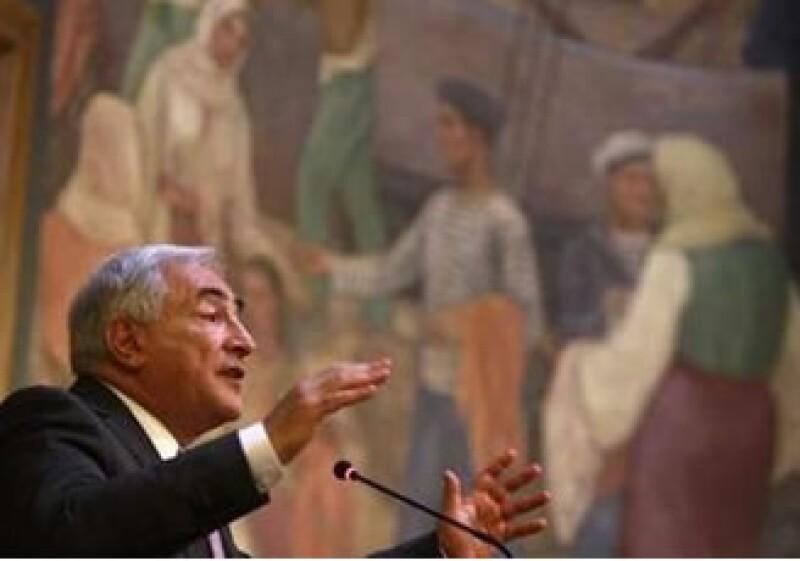 Dominique Strauss Kahn dijo que una enseñanza de la crisis es que para afrontar desafíos globales se requieren respuestas globales. (Foto: Reuters)