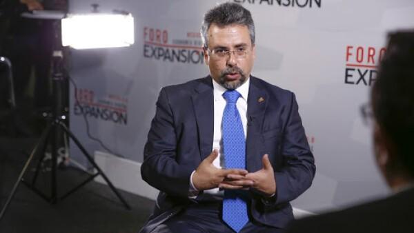 Dr. Carlos Astengo-Noguez