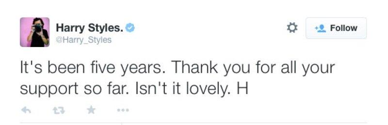 A través de un tuit fue como agradeció a sus fans el apoyo.