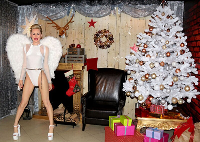 Los artistas de `Madame Tussauds Berlín´hicieron una versión festiva de la bien lograda estatua de cera de la cantante, luciendo uno de sus más atrevidos y característicos outfits.