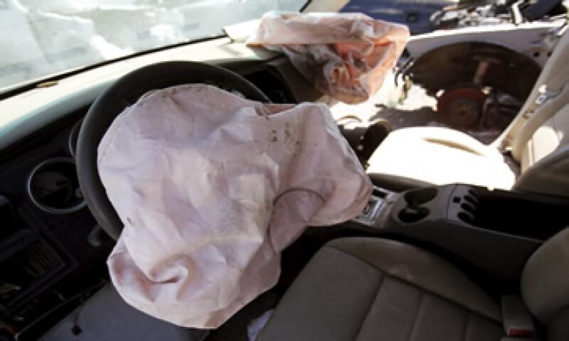 Las bolsas de aire defectuosas explotan de forma muy violenta y lanzan trozos de metal.  (Foto: Reuters )