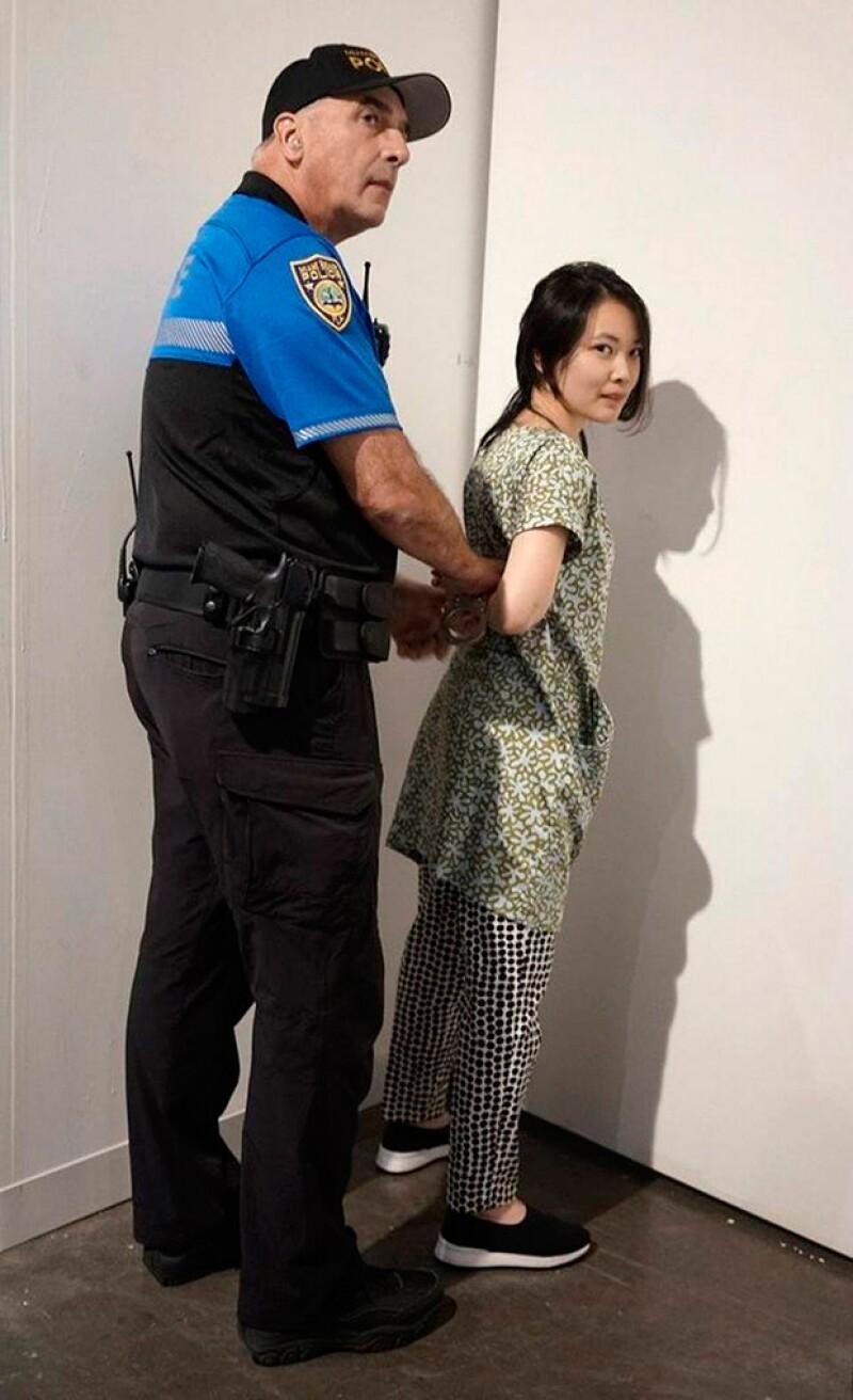 Ella es la agresora, quien fue detenida en el lugar.