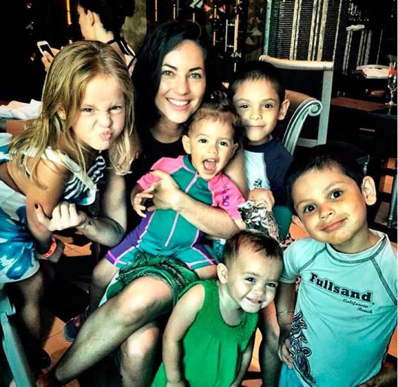 La actriz compartió una foto rodeada de sus sobrinos y, junto a ella, un mensaje sobre la importancia de educar a los niños para cambiar el futuro del mundo.