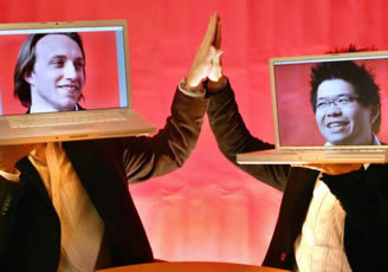 Chad Hurley (izquierda) y Steve Chen, dos de los fundadores de YouTube. (Foto: AP)