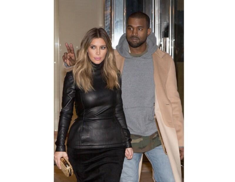 """Ayer la hermana más famosa del clan Kardashian fue al programa de Jimmy Kimmel, donde confesó que ella y el rapero contraerán nupcias en Francia debido a que es su """"segundo hogar""""."""