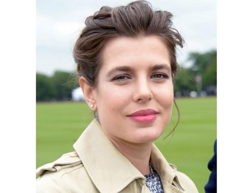 Nació el 3 de agosto de 1986 y se llama Carlota por su bisabuela la Princesa Carlota, Duquesa de Valentinois