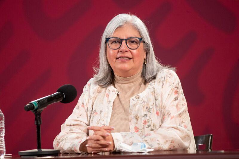 Graciela Marquez Colín, titular de Economía en la conferencia informe sobre los creditos a empresas para reactivar la economía en el país. Esto en el salón Tesoreria del Palacio Nacional.
