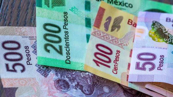 dinero peso remesas economía
