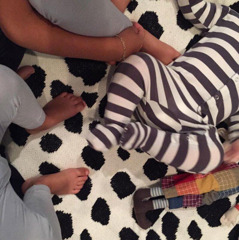 Pajamas party! publicó la socialité después de que fueran reveladas las imágenes de Scott.