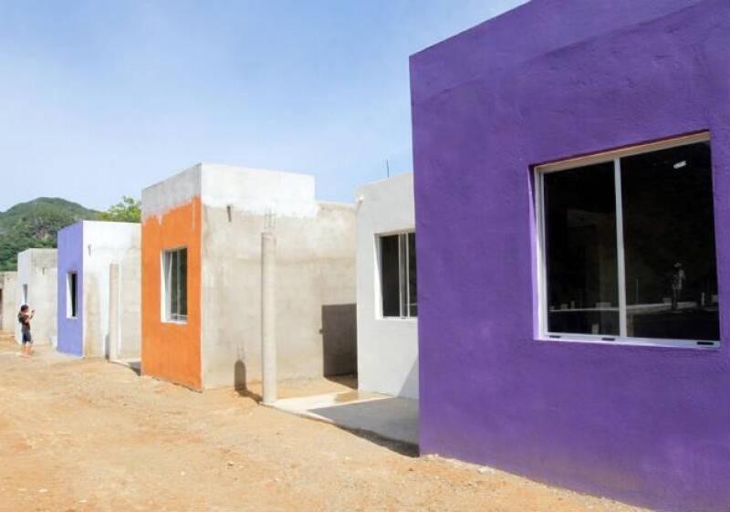 Casas para habitantes de Omitl�n, Guerrero, afectados por la lluvia