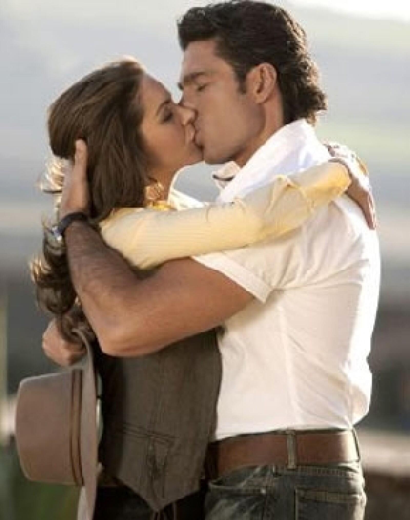 Será este domingo cuando finalmente Valentina Villalba (Lucero) y José Miguel Montesinos (Fernando Colunga) lleguen al altar en el gran final del melodrama de Nicandro Díaz.
