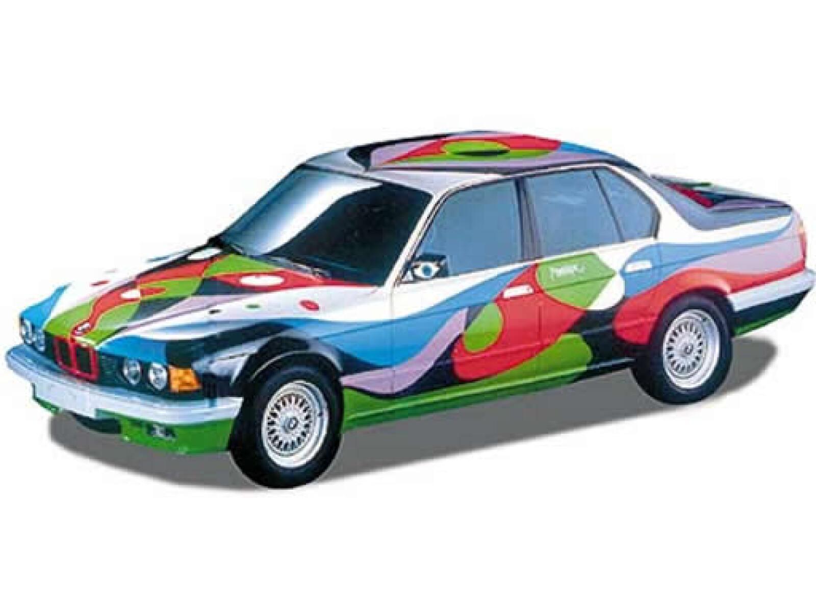 El arquitecto, escultor y pintor plasmó sus ideas en este BMW 730i en 1990.