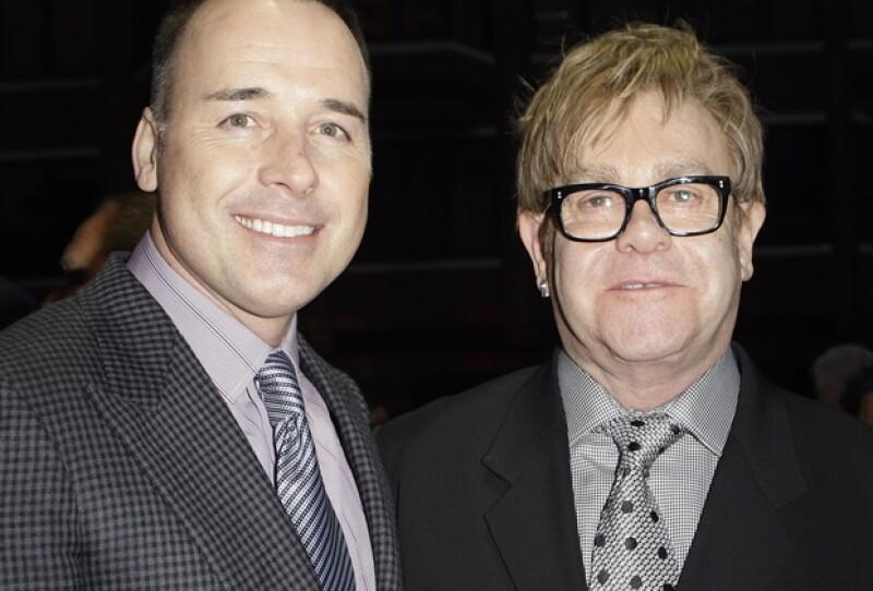Sir Elton y David gastaron 3 mil dólares por invitado, sólo en el banquete.