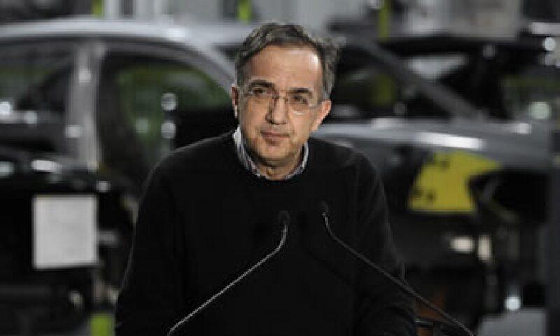 Si Marchionne se queda Italia, no caerá bien en Washington en vista de que los contribuyentes estadounidenses dieron 12,500 mdd para mantener a Chrysler. (Foto: AP)