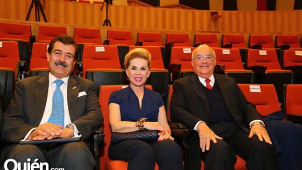 Rafael Funes,Silvia y Marco Vinicio Martínez