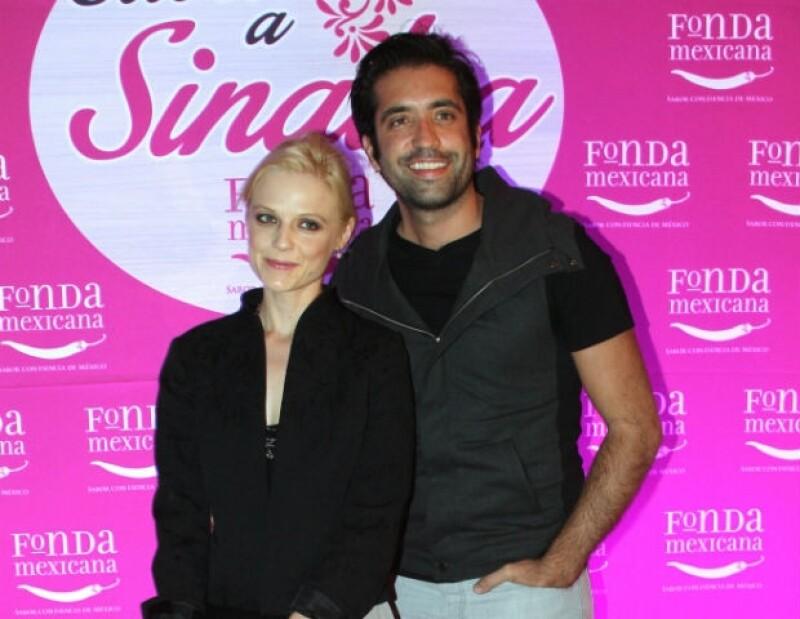 Ana y Rodrigo han llevado una relación estable y amorosa desde los principios de su noviazgo.