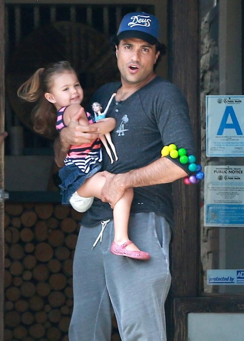 El actor aprovecha cualquier espacio en su agenda para entregarse a su familia.