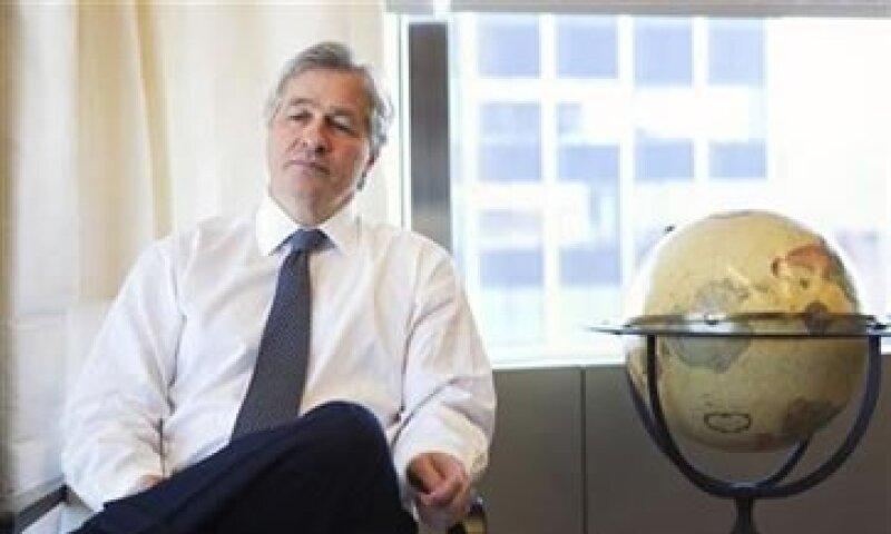 El CEO de JP Morgan Chase recibió una compensación en 2010 de 6.6 mdd. (Foto: Reuters)