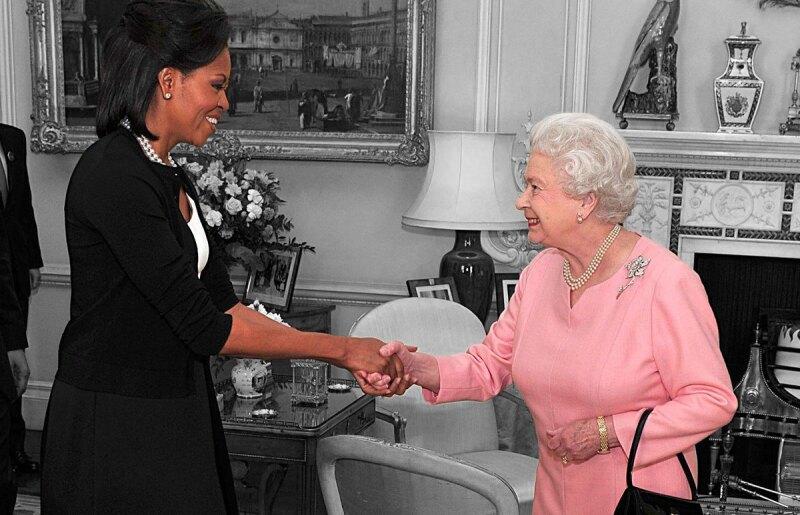 Michelle-Obama-Queen-Elizabeth-Isabel-II-Meghan-Markle-Protocolo-Basura