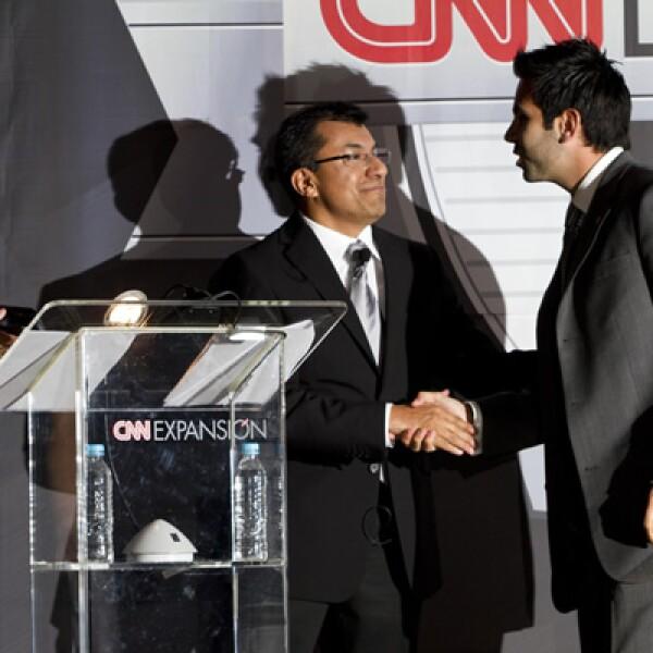 El ganador de la categoría 'Consumo' fue la empresa automotriz Nissan Mexicana. Juan Ernesto Serrano, E-Bussines Specialist de la compañía aceptó el premio.