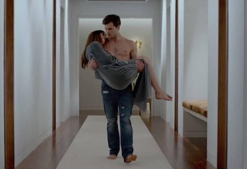 """Dakota y Jamie en una de las escenas del primer trailer de """"50 shades of Grey""""."""