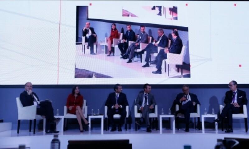 una discusión sobre el futuro en los negocios