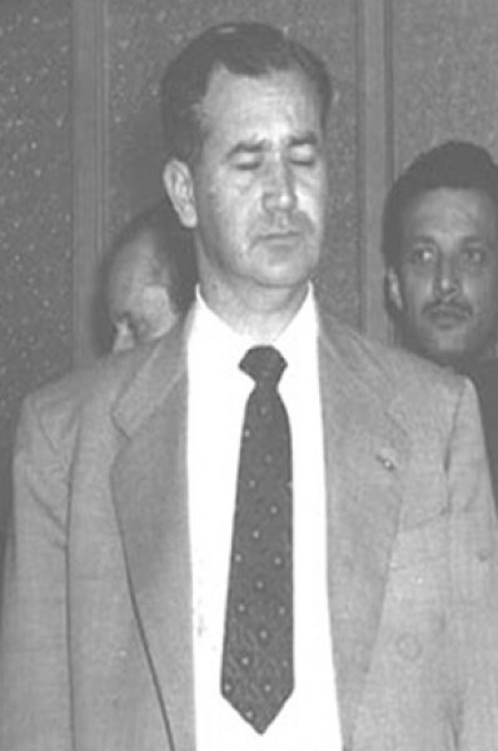 Carlos Madrazo Becerra, padre de Roberto Madrazo, murió en 1969 en un accidente aéreo, aunque se presumió que en realidad fue un asesinato político de parte del entonces presidente Gustavo Díaz Ordaz.