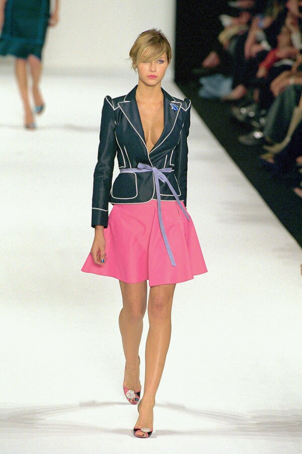MARC JACOBS NEW YORK FASHION SHOW SPRING/SUMMER 2001