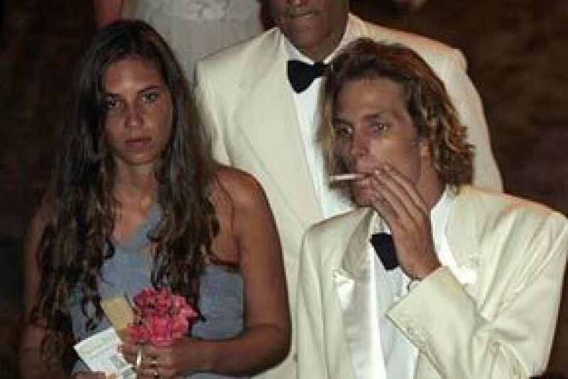 El empresario Julio Mario Santo Domingo Braga murió en Nueva York de una enfermedad no precisada. La novia de Andrea Casiraghi, hijo de la princesa Carolina de Mónaco, no asistió al baile de la Rosa.