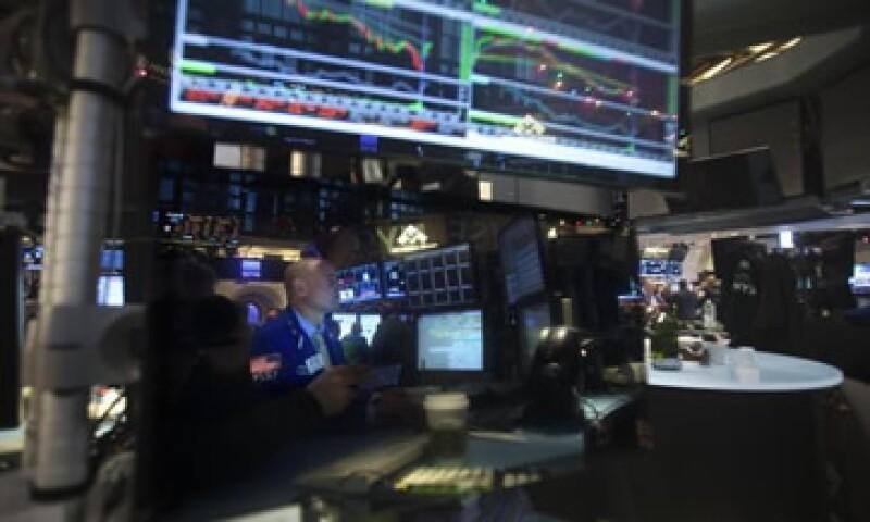 El S&P 500 cae 0.33% este viernes en la Bolsa de Nueva York. (Foto: Reuters )