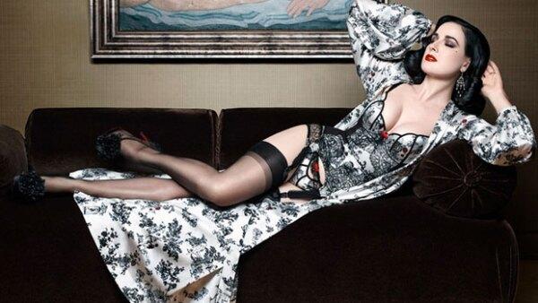 Dita Von Teese y Christian Louboutin se unieron para crear una colección de lencería muy sensual.