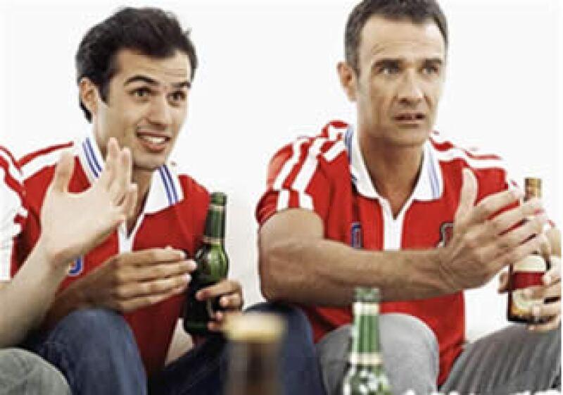 Debes hacer tu presupuesto para disfrutar de los goles. (Foto: Jupiter Images)