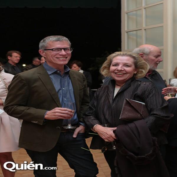 James Oles, Mariane Pérez Amor