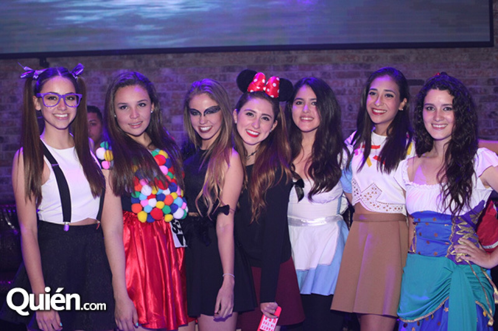 Andrea Portillo,Sofía Inchaustegui,Arielle Signoret,Montse Ceballos,Valentina Suárez,Regina Luna y Regina Godoy