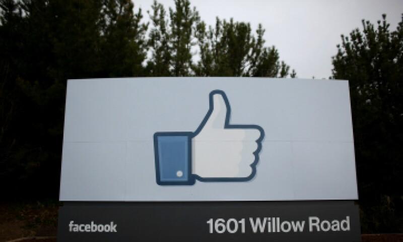 Facebook cree que estamos a menos de 4 personas de separación de conocer a cualquier extraño. (Foto: Getty Images)