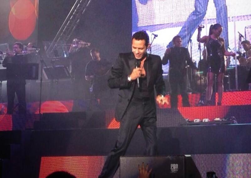 El puertorriqueño encantó a su público con sus mejores éxitos de salsa y agradeció a los presentes por su asistencia.