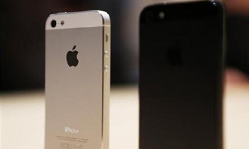 El iPhone 5 saldrá a la venta en las tiendas minoristas el 21 de septiembre. (Foto: Reuters)