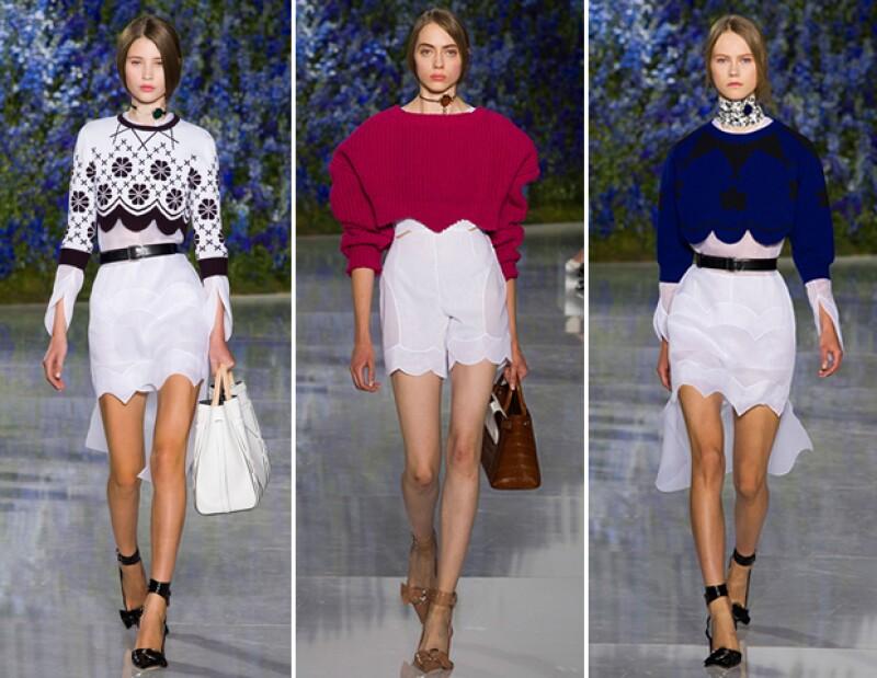 Se vieron suéteres con cortes en los bordes y hombreras.