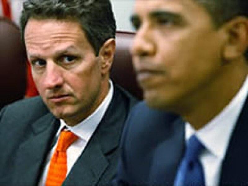 Tim Geithner debería cambiar las condiciones del rescate financiero que favorecen a los bancos. (Foto: CNNMoney.com)
