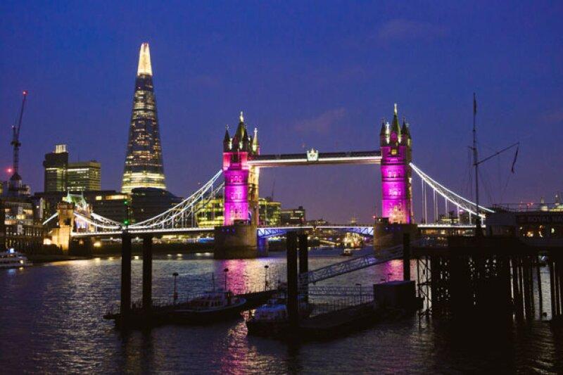 Todo Londres festejó la llegada de la bebé de los duques de Cambridge.