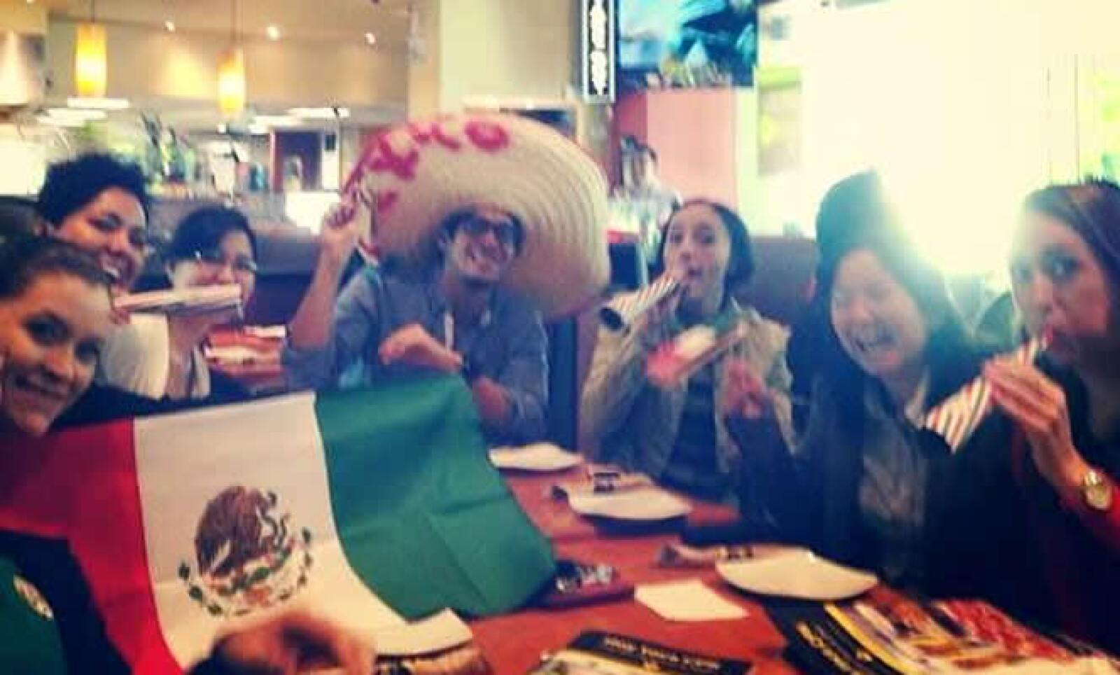 #EmprendedoresMundialistas ¡Así celebramos! México 1-0 Camerún @20Emprendedores